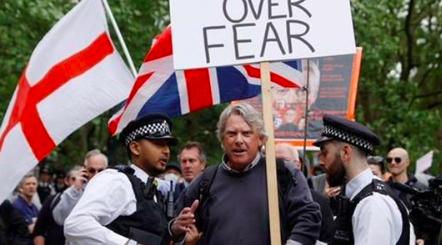 Protest in Londen 16 mei 2020
