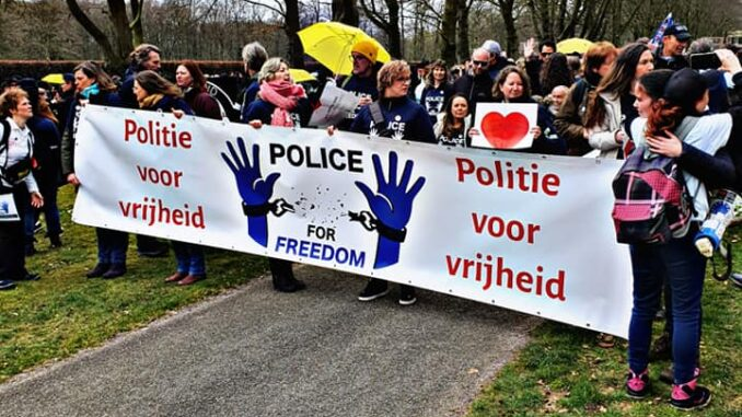 Demo Police for Freedom in Baarn