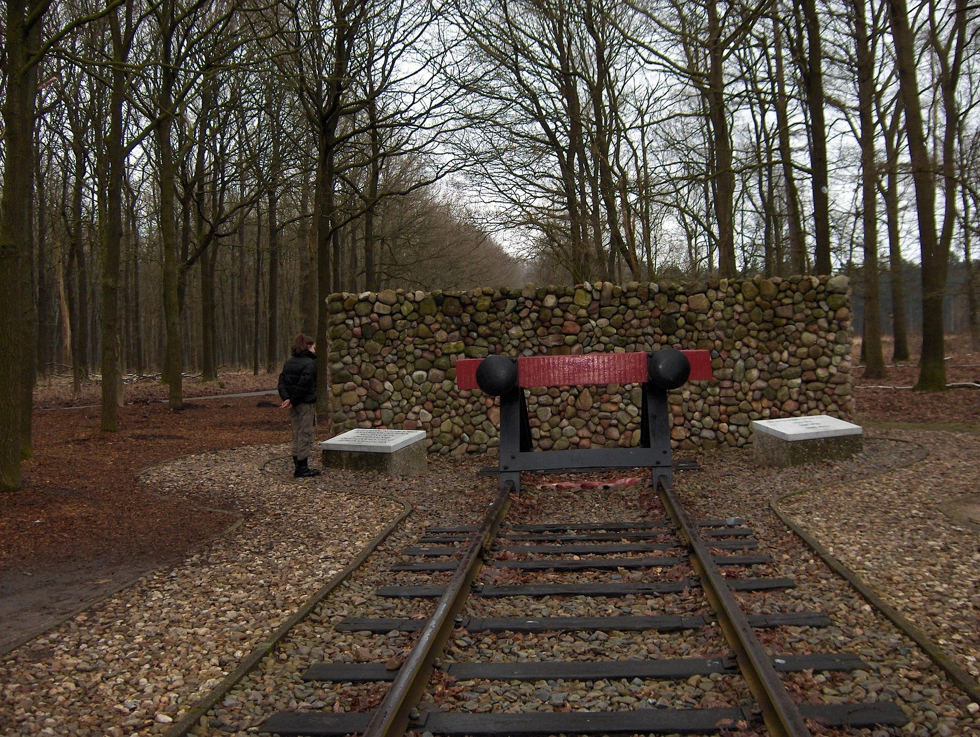 Giften van monument Kamp Westerbork